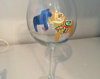 Handpainted dala horse wine glass