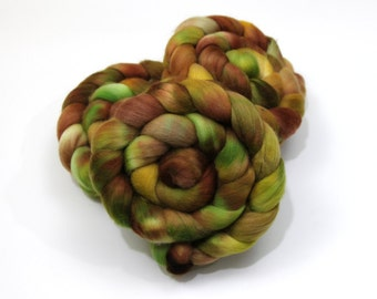Organic Polwarth Wool Roving (Combed Top) - Handpainted Roving for Spinning or Felting