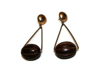 Vintage 60's Style Metal and Wood Bead Dangle Earrings Wooden Dangle Earrings Vintage Gold Earrings Vintage Dangle Earrings