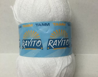 50% OFF SALE - Rayito Yarn - Blanco - White