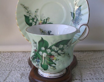 Elizabethan Fine Bone China England Teacup & Saucer Set, Mint Green With WhiteSnowbell Flowers, Fluted,Footed, Gold Gilt