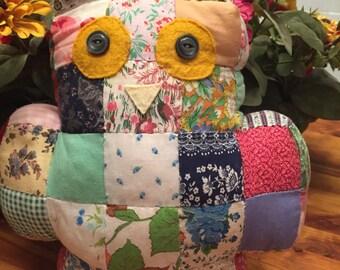 Vintage Owl Pillow - Quilt Squares