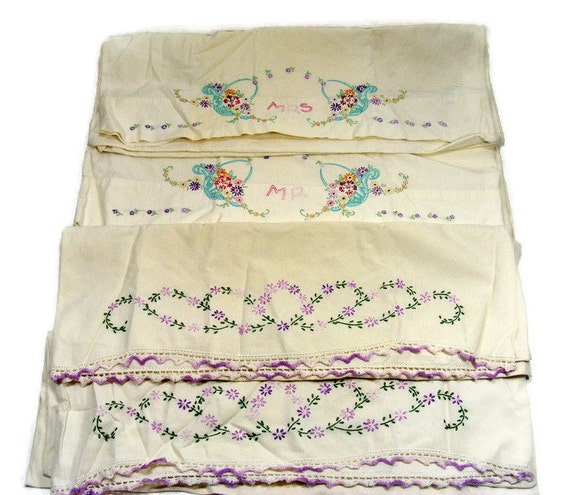 Vintage pillow cases embroidered bed linens two matching pairs