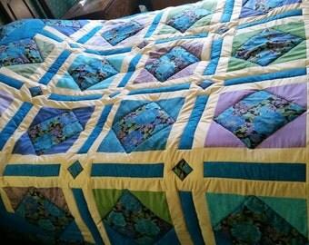 Midnight flowers queen size quilt