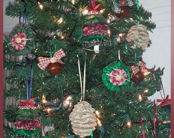 Assortment of 20 - Homespun Calico Reds, Greens, Browns Handmade Yo Yo Christmas Ornaments - FREE SHIPPING