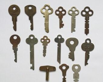 Vintage Assorted Skeleton Keys Set of 15