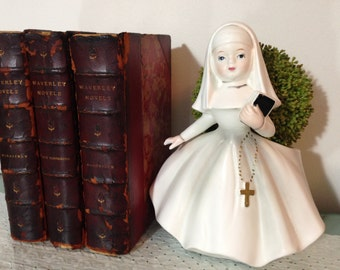 vintage Catholic Nun planter, white, gold. Rosary, Bible. Figural statue by INARCO, Japan, E-1452, Cleve Ohio. Catch all. Pencil holder etc.