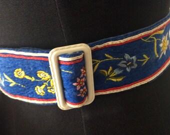 Vintage 1940s Embroidered Floral Folk Style Belt Blue XS S