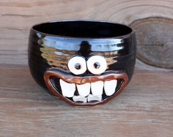 Pottery Cereal Bowl. Extra Large Oversize Happy Smiley Face Popcorn Snack Bowl. Handmade Stoneware. Dark Chocolate Brown Black.