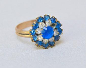 Vintage 14K Gold Plate Ring . Blue Glass Rhinestones . Beautiful Ring . Missing 1 Rhinestone