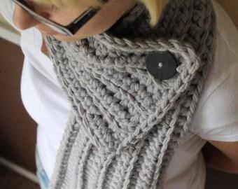 Large Button Scarf Crochet PDF Pattern - Digital Crochet Pattern - Beginner Crochet Pattern - Chunky Scarf Pattern - Button Scarf - Easy