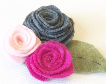 Miss Bella felt rose hair clip. Heather grey and pink.