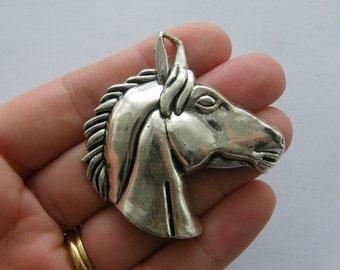 1 Horse charm antique silver tone A605