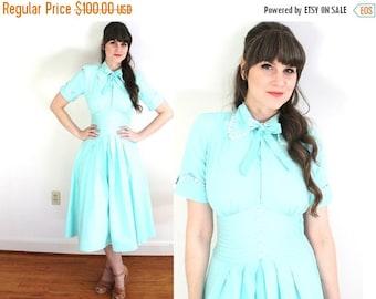 ON SALE 1940s Dress / 40s Mint Dress / 1940s Cotton Robins Egg Blue Dress
