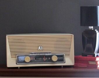 vintage radio -Motorola - Fabulous Fifties
