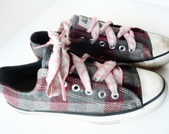 Clearance - Vintage CONVERSE All Star Plaid Pink Gray Low Top Sneakers Men's Size 6.5 Women's 8.5