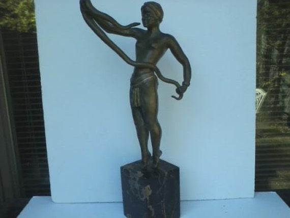 1930.fr Th. Somme. The Snake Charmer bronze figure - Art