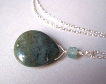 Moss Agate Necklace, Green Stone Nekcklace, Agate Teardrop Necklace, Pendant Necklace, Modern Gemstone Jewelry