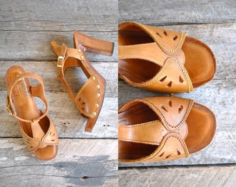 70s Platform Sandals Size 9  //  Wood Leather Sandals Sz 40  //  THE OLINDA