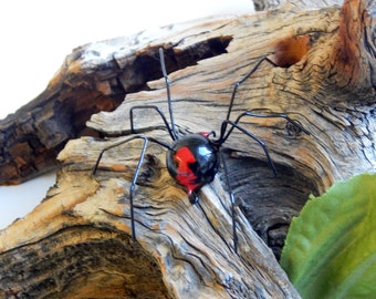 Very Small Hanging Redback Spider Wire Art Ornament Halloween Decoration Unique Gift for Teens and Gardeners Spider Lovers Collector Bug