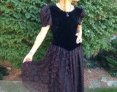 VALENTINES DAY SALE vintage 80s black dress/red lace velvet/ goth witch party wedding size large