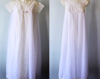 Vintage White Chiffon Peignoir Set, 1960s White Chiffon Peignoir Set, Canadian Maid, White Chiffon Peignoir Set, Wedding, Romantic