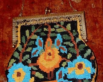 Vintage needlepoint bag/gold frame chain/1920 flapper handbag/1950s needlepoint embroidery/1970 boho handbag/needlepoint purse/bohemian