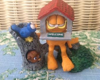 "Garfield ""Open House"" Resin Figurine 1993"