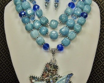 BLUE JADE Statement Necklace Set / Triple Strand Necklace / Texas Pendant and Butterfly /Bold Chunky Butterfly Necklace - TeXaS BuTTerFLy