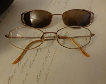 Funky pair of glasses- Nonprecepiption with clip on attachable sunglasses