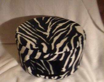 Large Cat Bed - Black Zebra