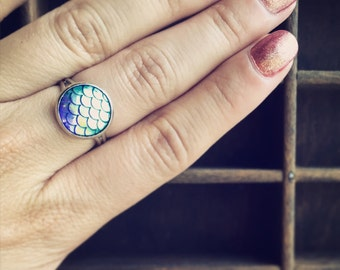 Mermaid Tail Ring / Dragon Scale Ring / Blue Iridescence Adjustable Dragonscale Mermaids Cosplay Costume / Boho Bohemian Gypsy Jewelry Beach
