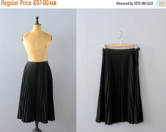 40% OFF SALE // Vintage black skirt. pleated skirt. wool long skirt