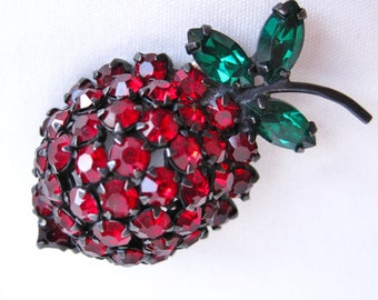 1950-60's Warner Strawberry Brooch/Pin