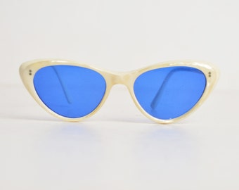 Vintage 50s Pointy Cateye Sunglasses / 1950s Ivory Pearl Sunglasses Frames