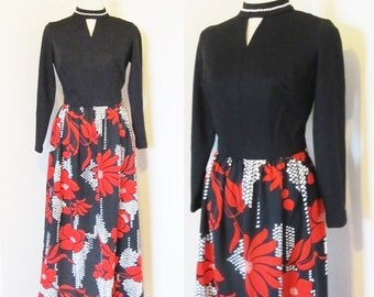 Vintage 1970's Long Maxi Dress / Novelty Print Retro Polyester Red and Black Floral Mod Dress Size S/M