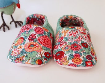 Baby Booties Liberty Of London Floral Print Soft Slippers With Green Velvet and Pastel Pink Faux Suede Sole size 6-9 months