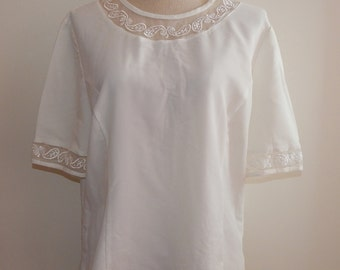 Crepe Off White Paisley Embroidered Top Blouse Bust 42 Size L or Size 16