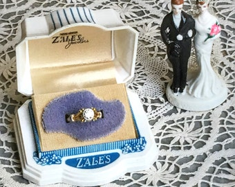 Vintage Ring Box Engagement Wedding Ringbox Celluloid White Plastic Jewelry Presentation Velvet