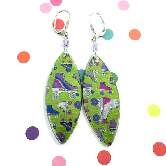 Long Resin earrings handmade, vintage roller skates, green purple, purple glass bead, on stainless steel hook, les perles rares
