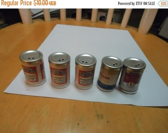 Valentines Sale Lot of 5 Beer Salt or Pepper shakers, Budweiser, Hamms, Old Milwaukee, collectable, vintage