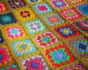 Striking GRANNY SQUARES Crochet Afghan BLANKET Olive Green