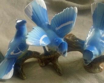 Vintage BLUE JAY Figurine - THames Co, Japan