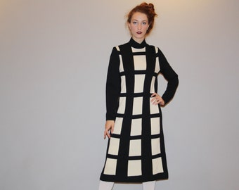 Deadstock 1960s Graphic Black and White Knit 60s Large Mod  Dress   - Short 60s Dress - Vintage Sixties Knit Dress - W00047
