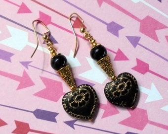 Black and Gold Heart Earrings (2454)