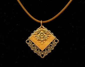 Filigree fantasy copper pendant (Style #1432)