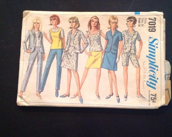 Vintage Simplicity Sewing Pattern 7019 Misses' Jacket, Skirt, Overblouse, and Pants Size 16