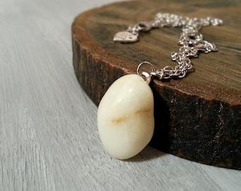 Beach Pebble Pendant Necklace, Mediterranean Beach Stone Necklace, Minimalist White Stone Pendant, Pebble Jewelry