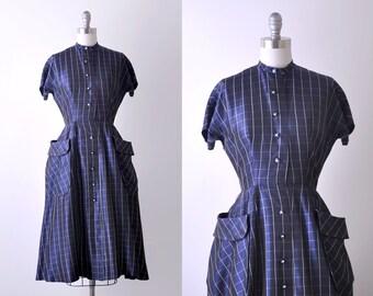 1950 vintage dress. xs. 50's blue plaid dress. taffeta. 1950's full dress. pockets.