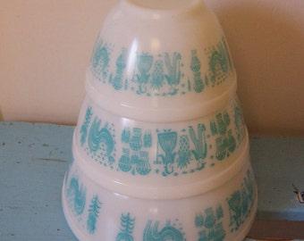 vintage amish print pyrex bowls